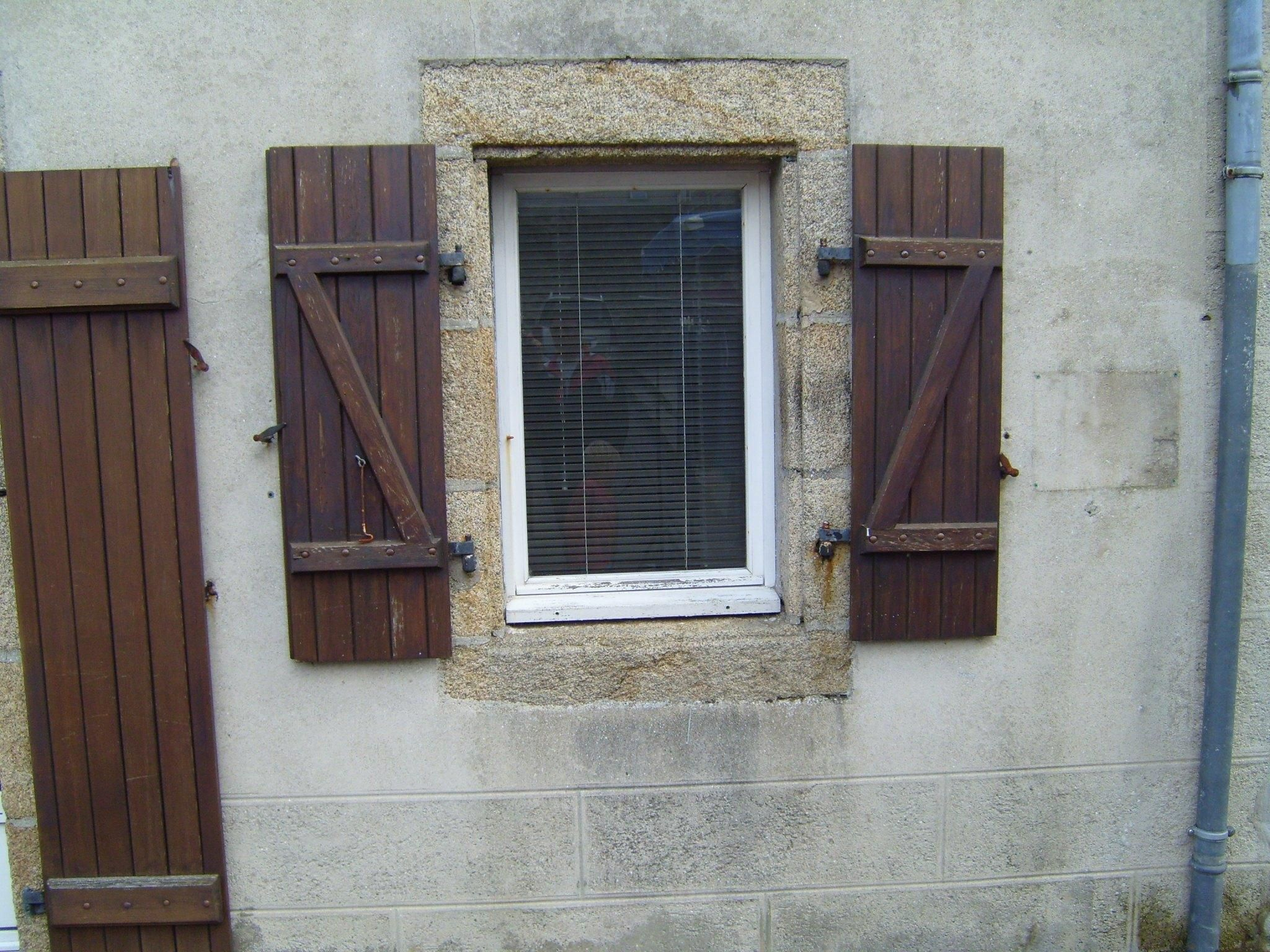 Free picture wooden old fashioned window