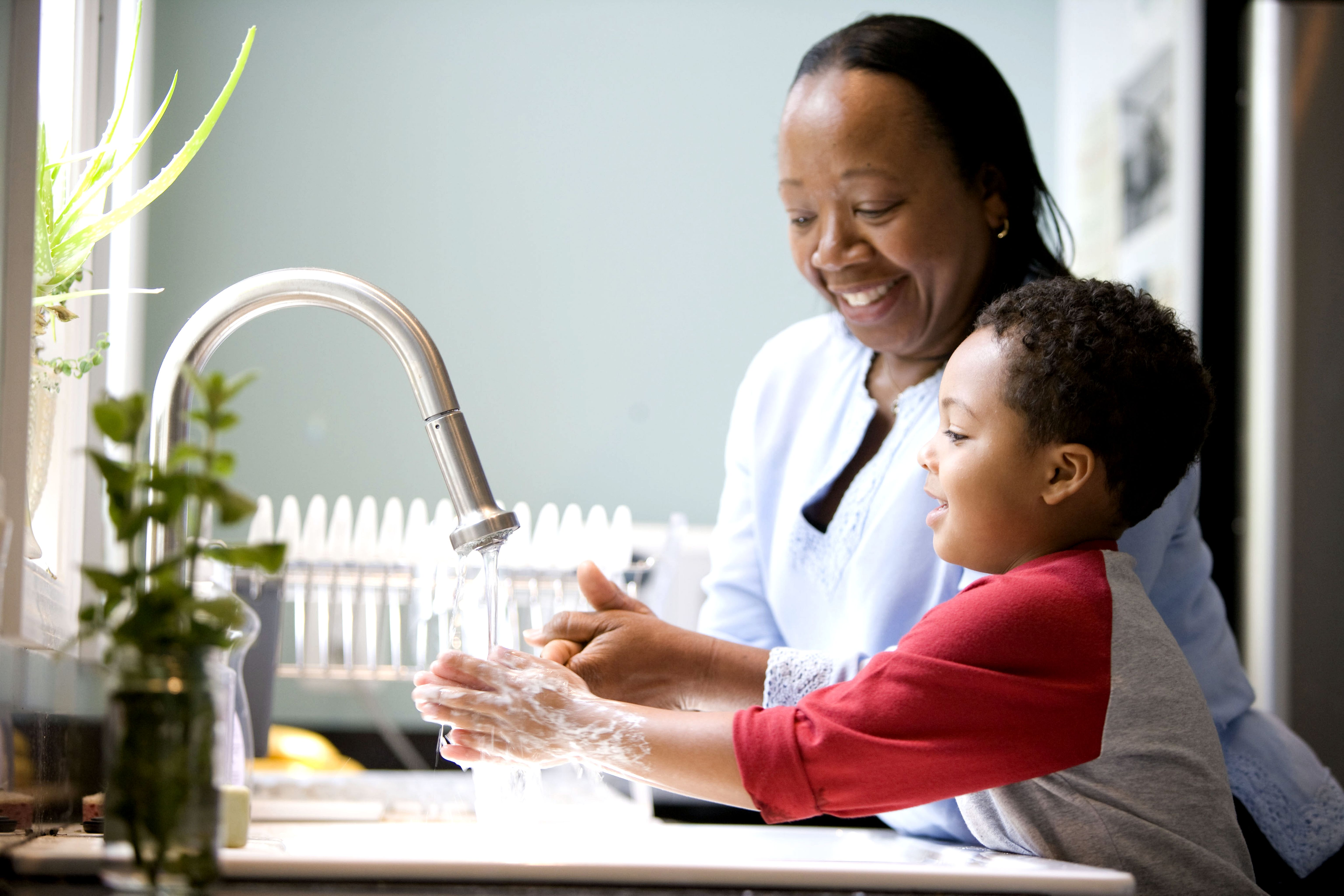 Free picture boy mother laughing kitchen