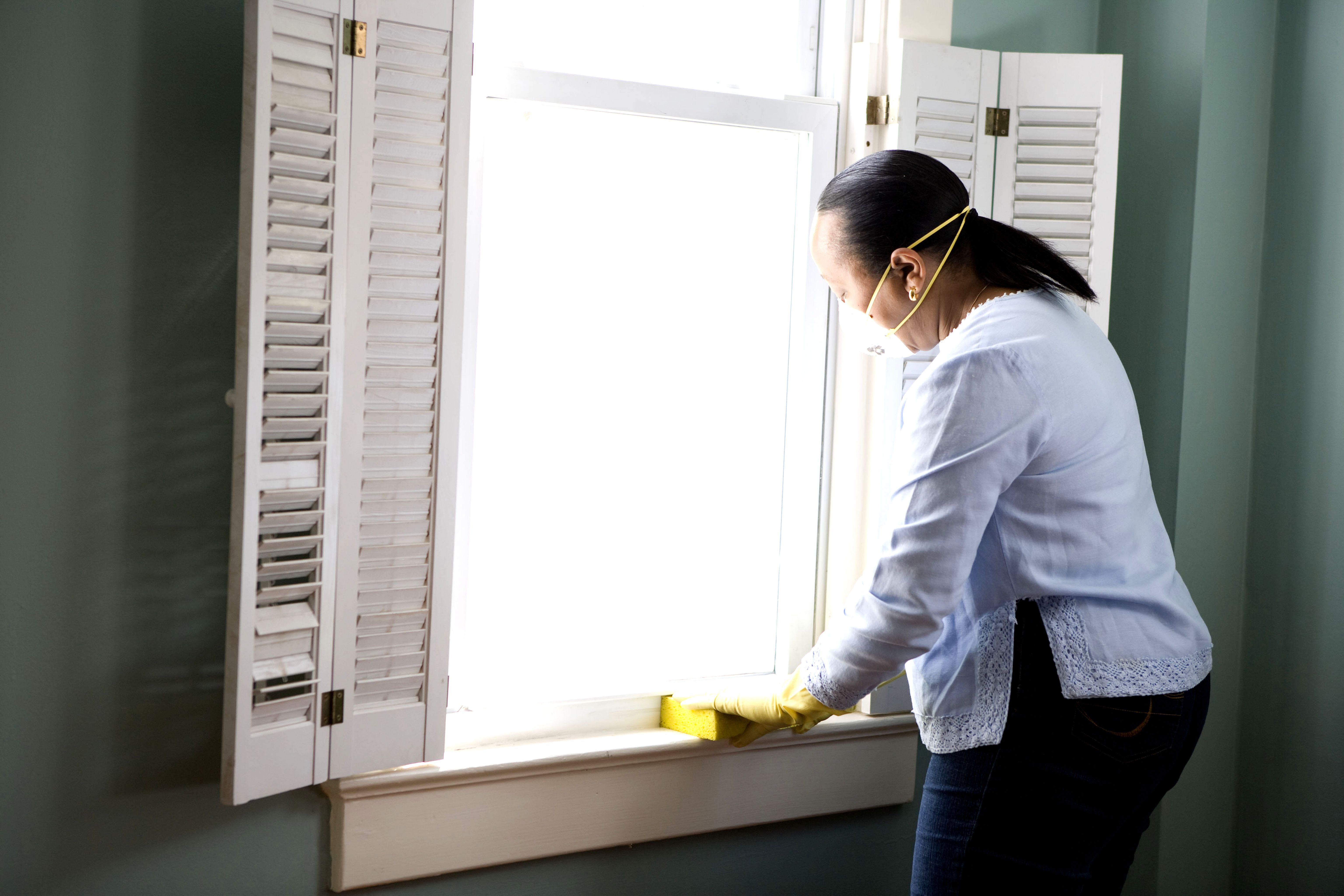 kitchen cleaning corner cabinet shelf free picture: african american, woman, preparing, window ...