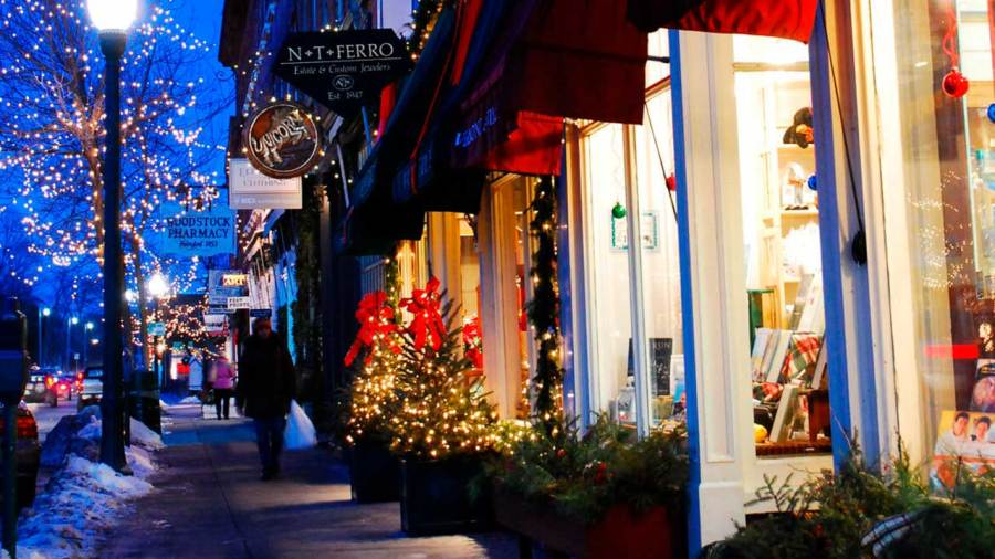 19 Essential Small Business Holiday Marketing Tips for 2020