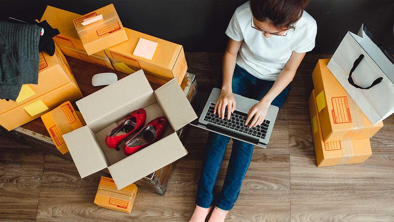 PixoLabo 21 Key Advantages of E Commerce Over Traditional Retail