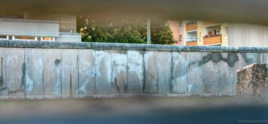 Blick durch die Hinterlandmauer