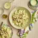 Agnolotti con salsa de queso, poro y prosciutto