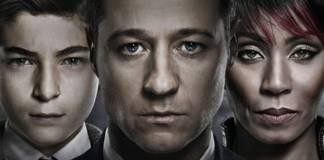 El pequeño Bruce Wayne, un agente de policía y Fish Money en la serie Gotham