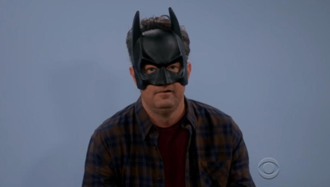 Matthew Perry es Batman y quiere ser Joker