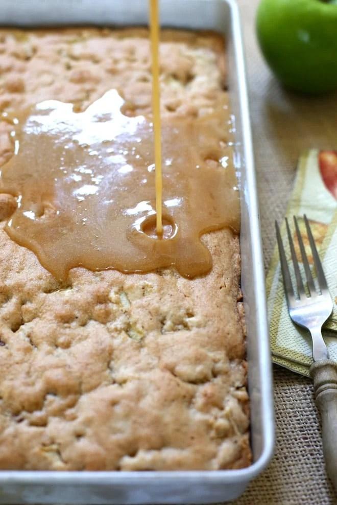 easy apple cake recipe with glaze