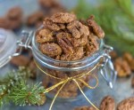 Candied Gingerbread Pecans; Easy and delicious holiday treat perfect for gifting!