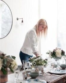 gwyneth leggur lokahönd á páskaborðið