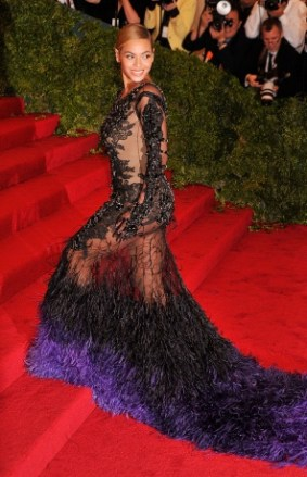 Beyoncé í Givenchy