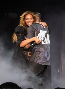 jay-z-beyonce-on-stage-miami