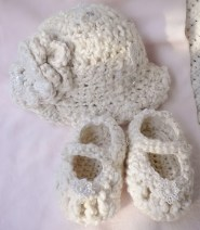 Infant ArtYarn Hat Maryjanes