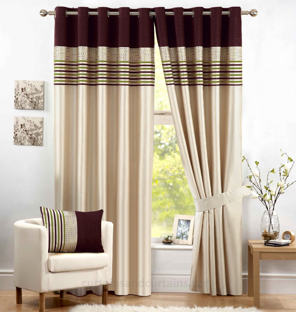 Living Room Curtain Design Ideas