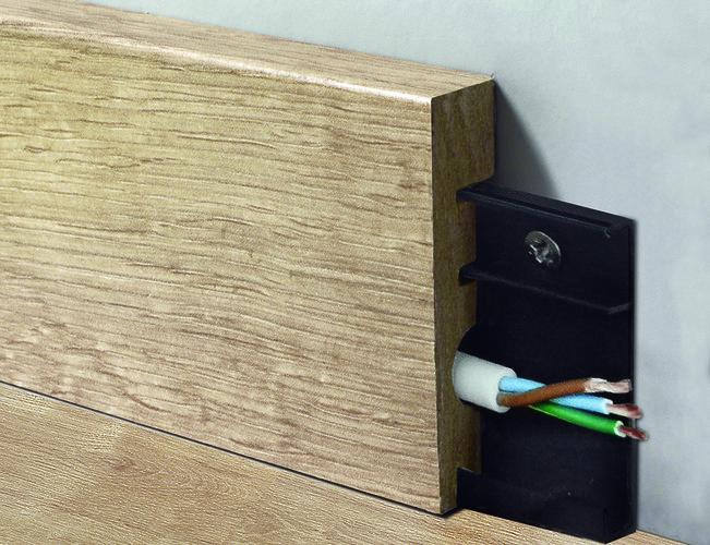rodapé, derivado de madeira