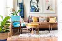 FUN AND BRIGHT BOHO LIVING ROOM DECOR