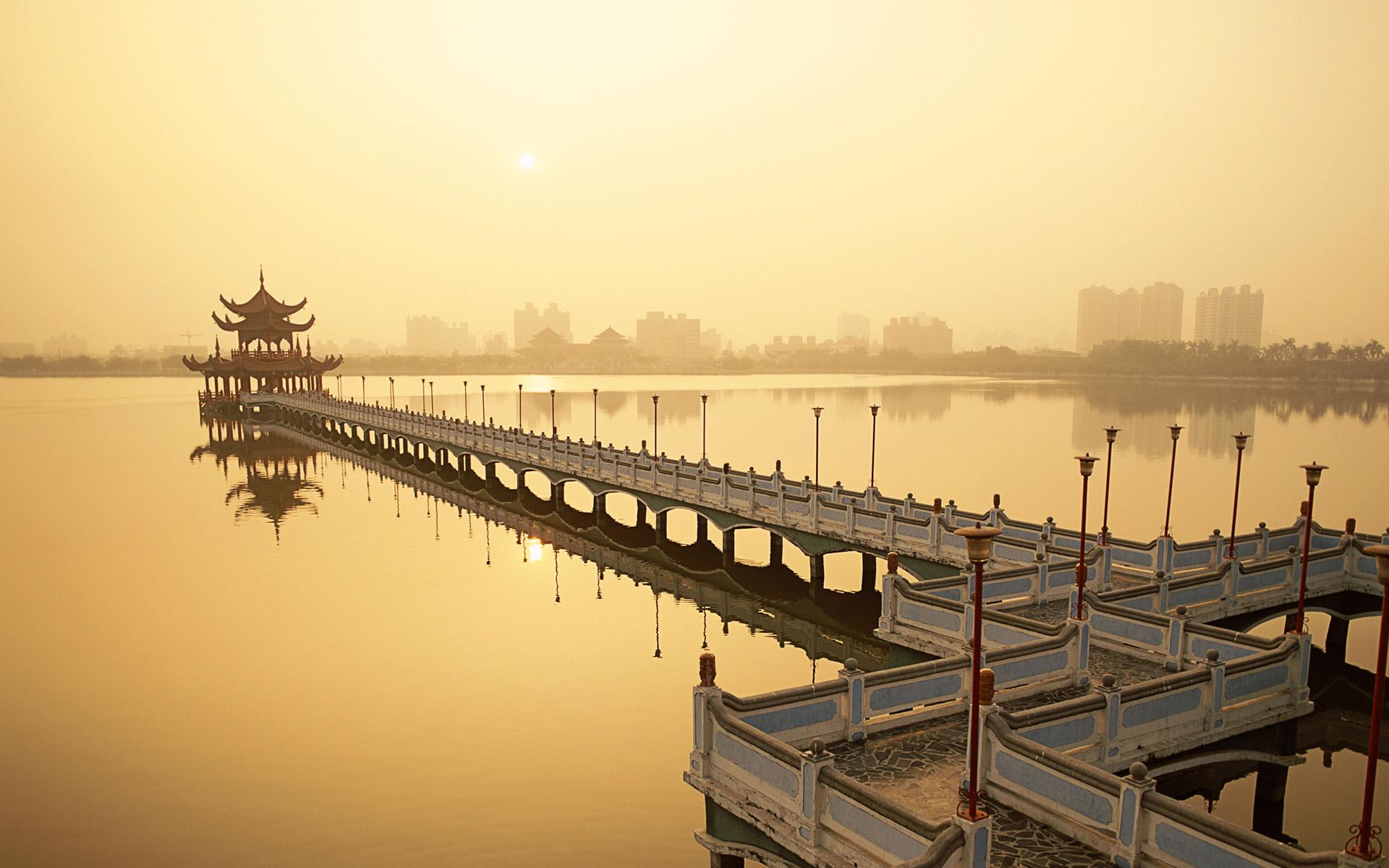 Lotus Lake in Kaohsiung