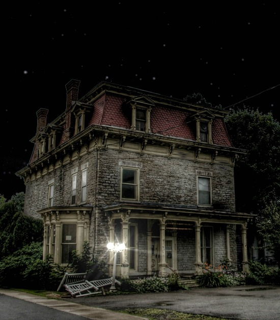 haunted-abandoned-house