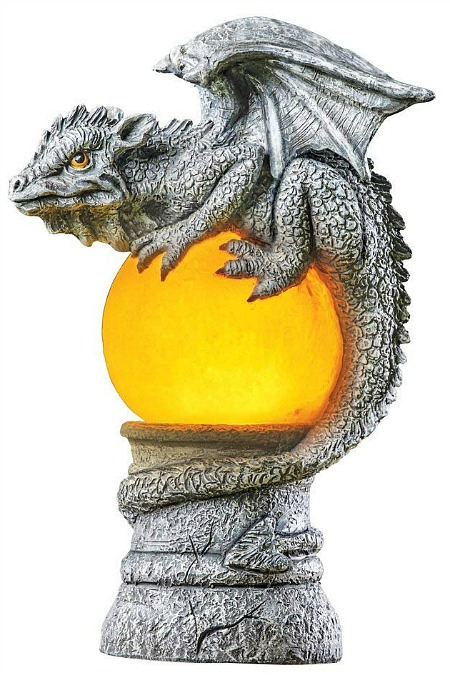 solar-lighted-lizard-Gargoyle-garden-statue