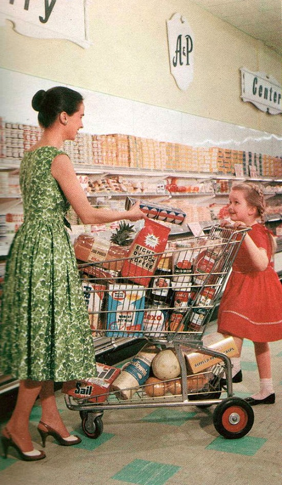 mother-daughter-grocery-shopping
