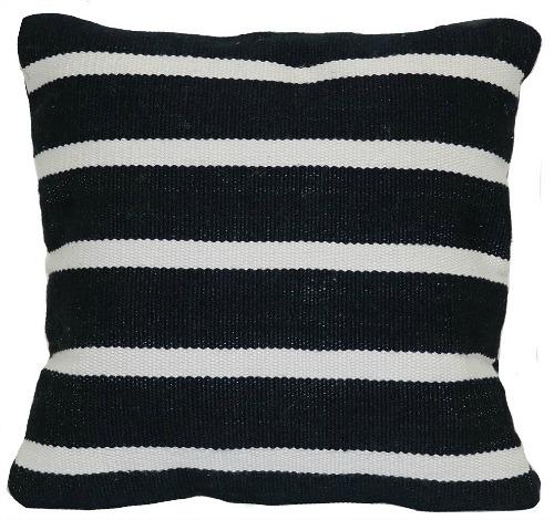 outdoor-throw-pillow-woven