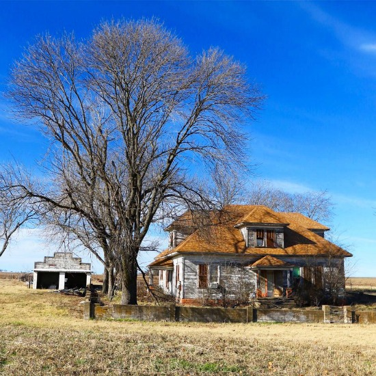 Texas-farmhouse-1