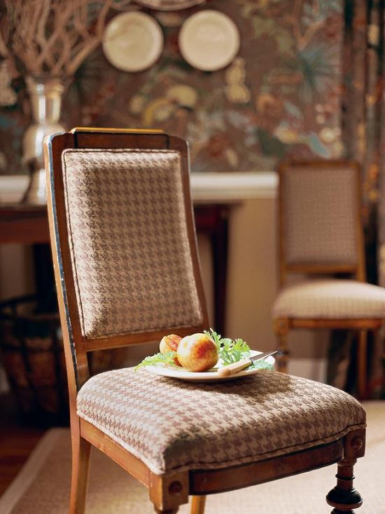 ff-Thibaut_Heritage-Houndstooth-dining-chair_s3x4_lg