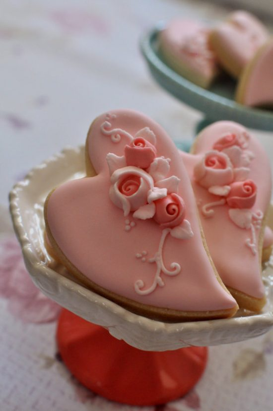 folk-art-heart-shaped-cookies