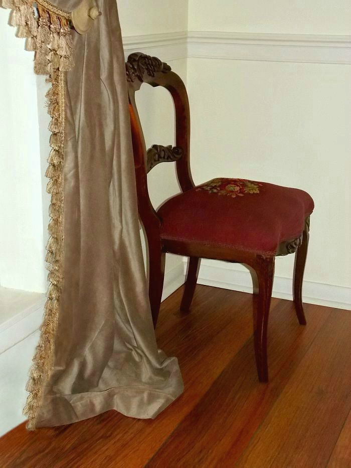chair-fringe