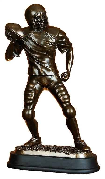 football-player-statue-sculpture