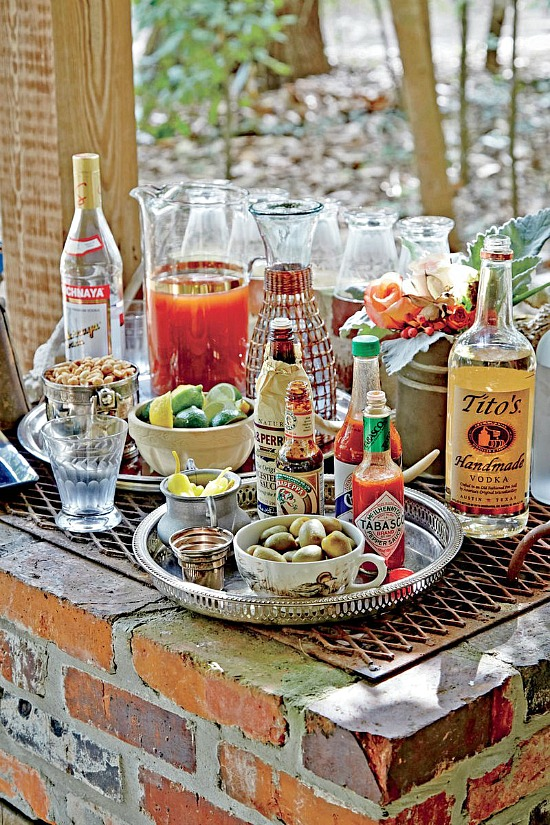holiday-home-bar-outdoor-entertaining