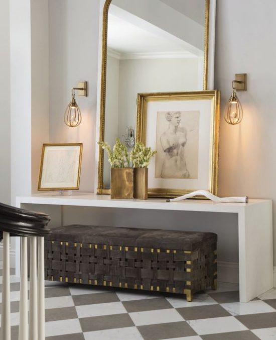 gold-framed-foyer