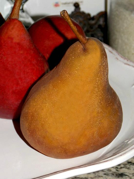 pears-cake-plate