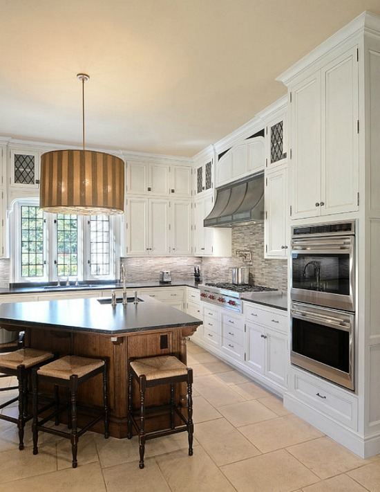 traditional-kitchen-rangetop