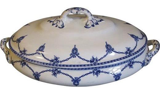 blue-white-vegetable-bowl