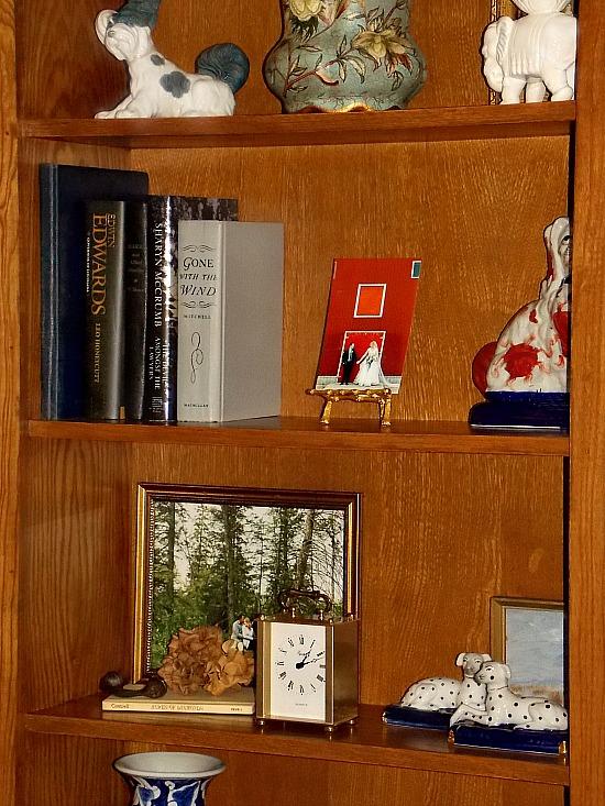 built-in-bookshelf