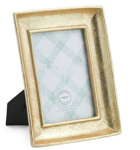 gold-molding-photo-frame