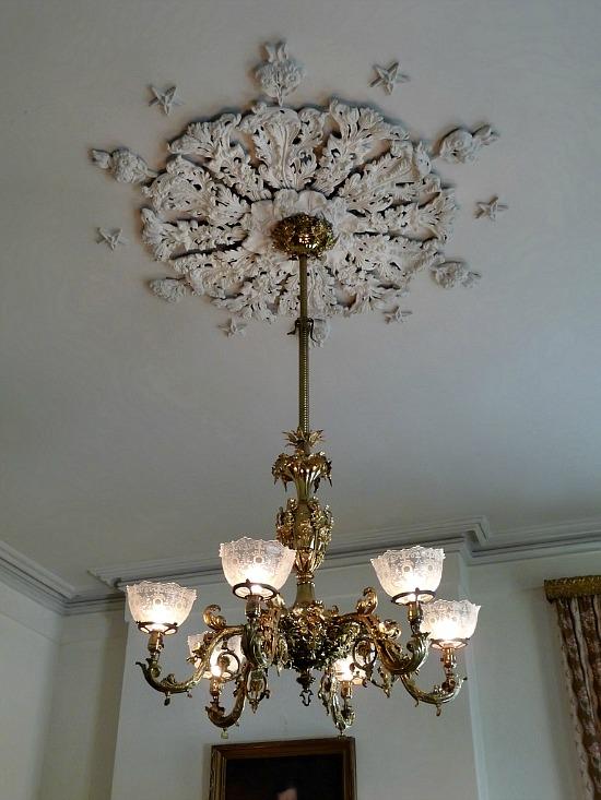 ceiling-medallion-Natchez