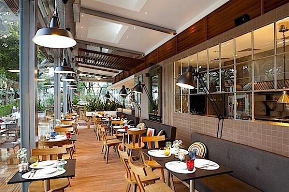Cafe-Romantis-dengan-Desain-Interior-Sophisticated-07