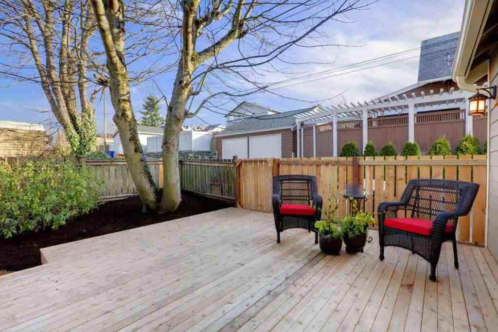 yard deck painting and stain