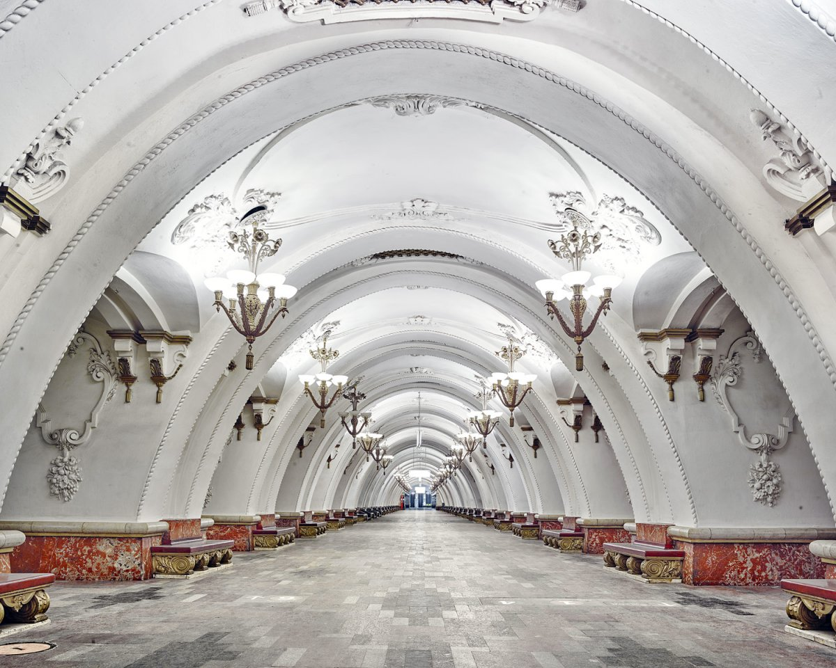 content_plain-magazine-david-burdeny-moscow-subway-09