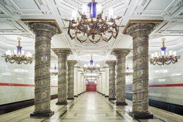 content_plain-magazine-david-burdeny-moscow-subway-13