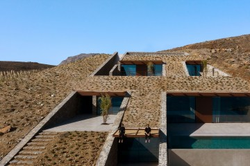 Mold Architects NCaved House