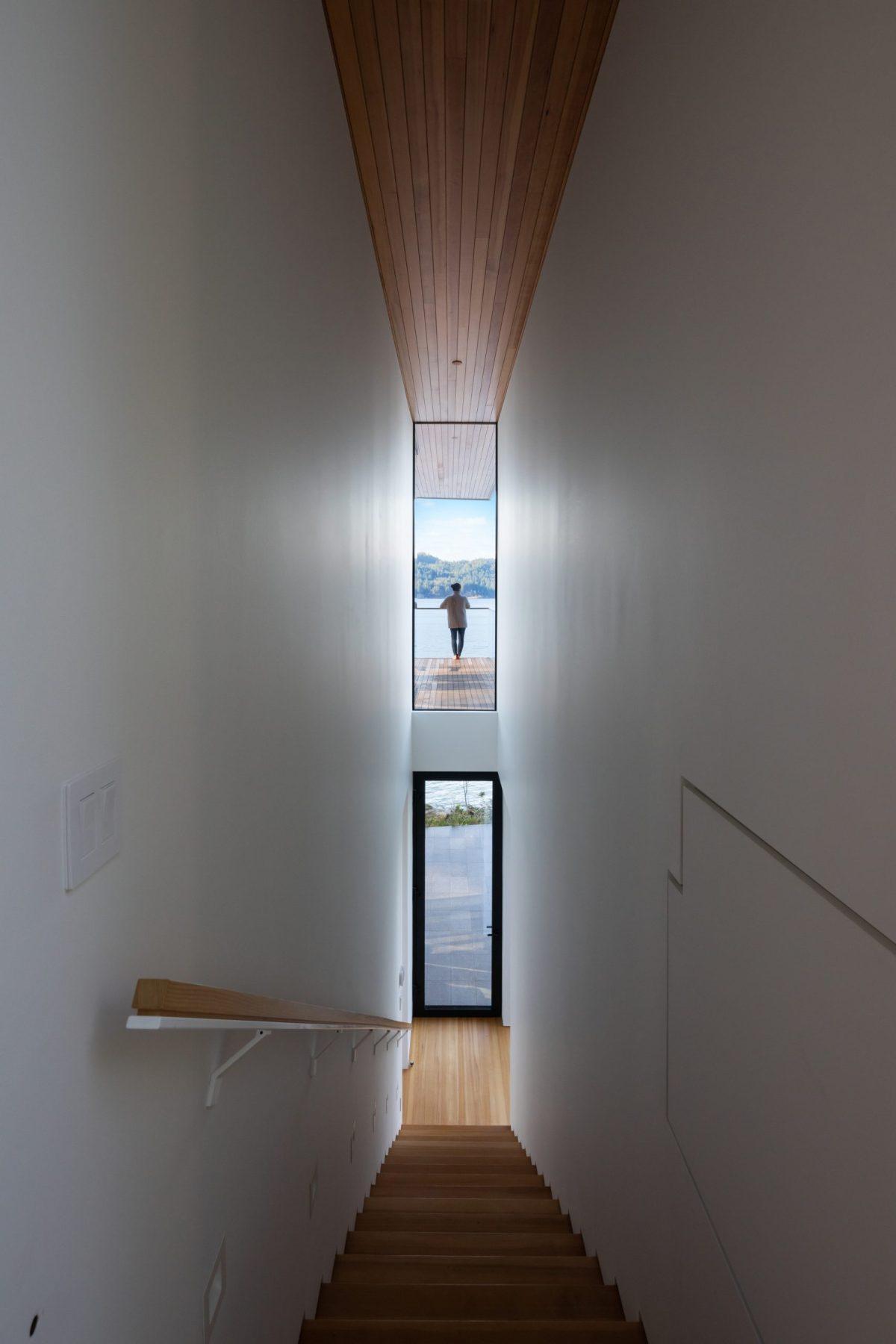 Bowen Island house office of Mcfarlane Biggar Architects+Designers