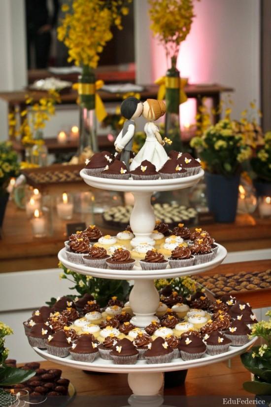 Torre de docinhos de casamento formando um bolo. Foto: Edu Federice.