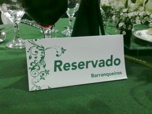 Casamento: plaquinha de reserva de mesas