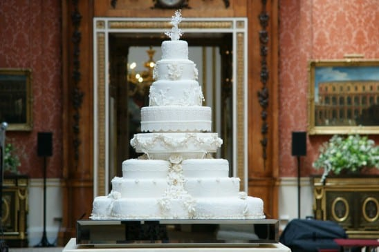 Bolo branco do casamento real