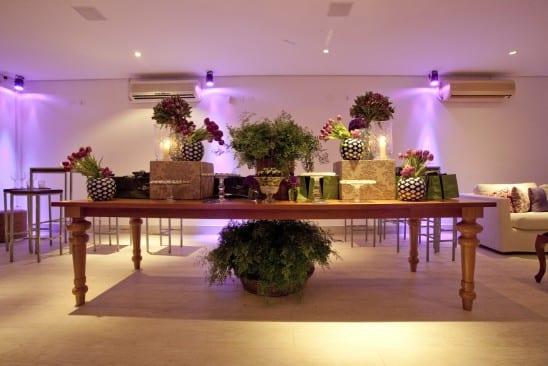 Casamento: mesa de doces em roxo e lilás