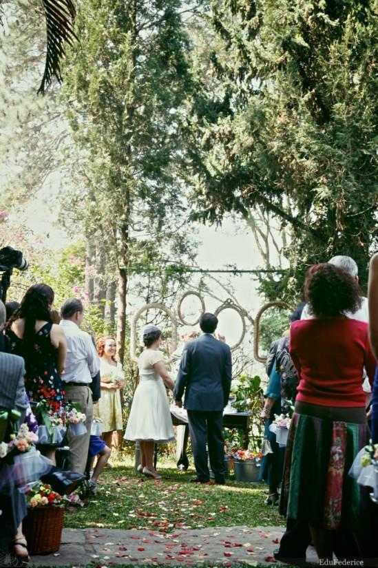 Casamento diurno ao ar livre. Foto: Edu Federice.