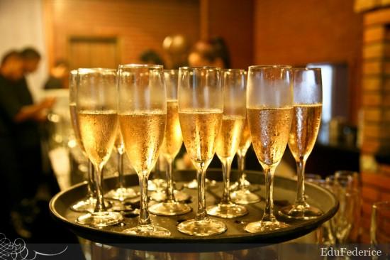 Champanhe em casamentos. Foto: Edu Federice.