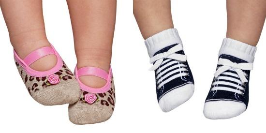 Meias para bebê imitando sapatilha e tênis da Puket.