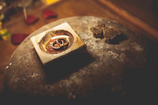Dia da aliança: noivos ourives fazem a própria aliança de casamento. Foto: Rafael Karelisky.